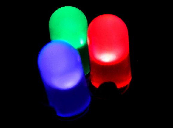 WysipsはLi-Fiで、LED光による10.5Gbpsの超高速通信も可能!