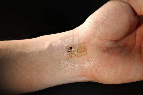 iWatchで血液検査、iPhone 6と連携か?
