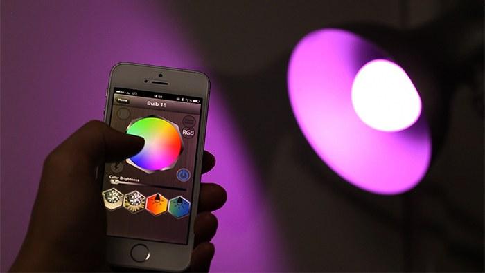 iPhone 室内照明