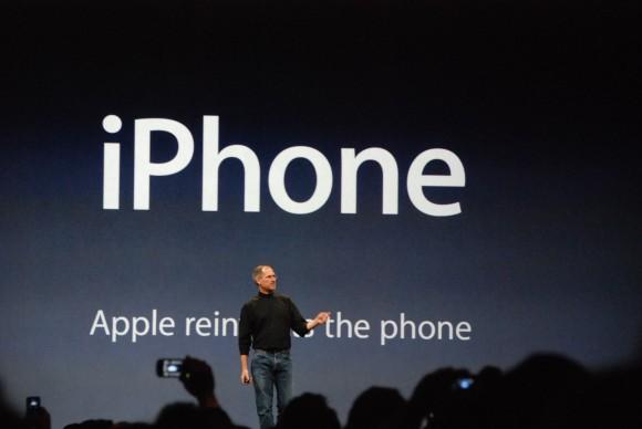 スティーブ・ジョブズの初代iPhone発表
