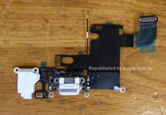 iPhone6のLightningコネクタを含むケーブル