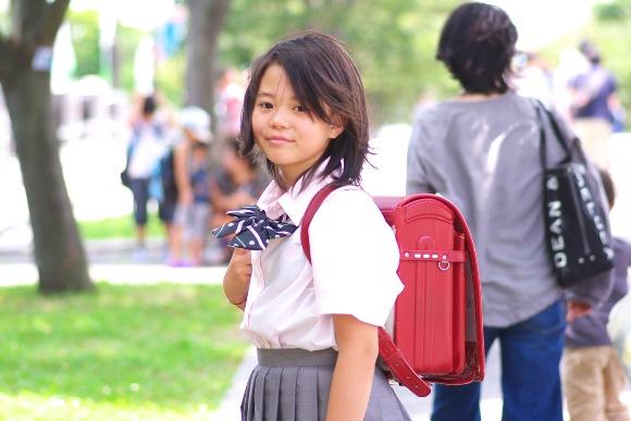 小学生の携帯所持、賛否は二分!中高生は親とアプリで連絡 - iPhone Mania