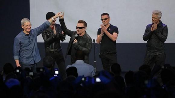Apple ティム・クック U2