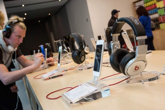インイヤーヘッドフォン 視聴 Apple