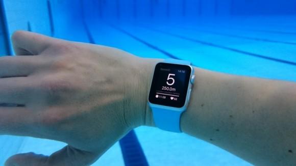 世界初!水泳用Apple Watchアプリ