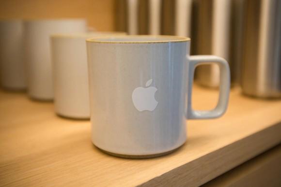 cupatino apple infinite loop ロゴ シャツ グッズ