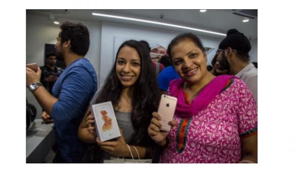 インド iphone 中古