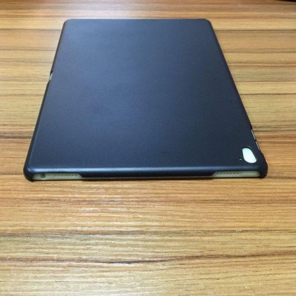 「iPad Air3」または「9.7インチ版iPad Pro」用ケース