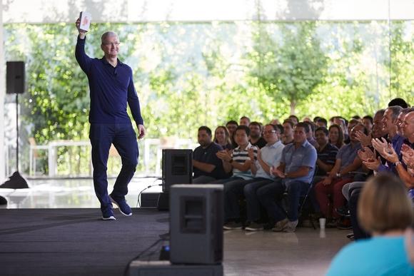 iPhone 10億台 記念パーティー