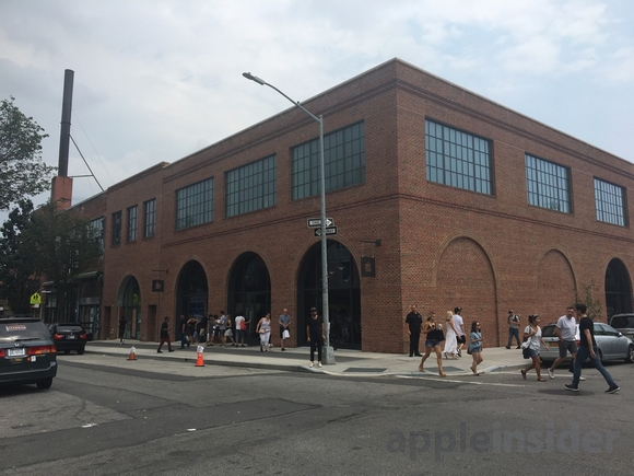 Brooklyn Apple Store