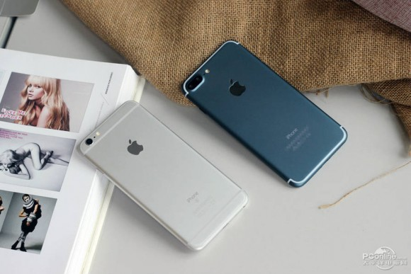 iPhone7 Plus ディープブルー