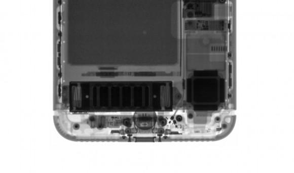 iphone7 スピーカー 穴
