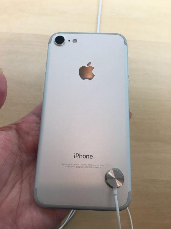 展示 iPhone7 シルバー