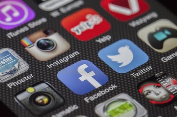 スマホ アプリ ロイヤリティフリー画像 Pixabay
