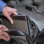 cartella-slim-macbook-pro-case-in-briefcase_2
