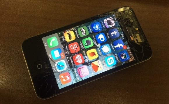 iphone 画面割れ フリー素材