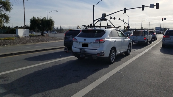 Apple 自動運転車
