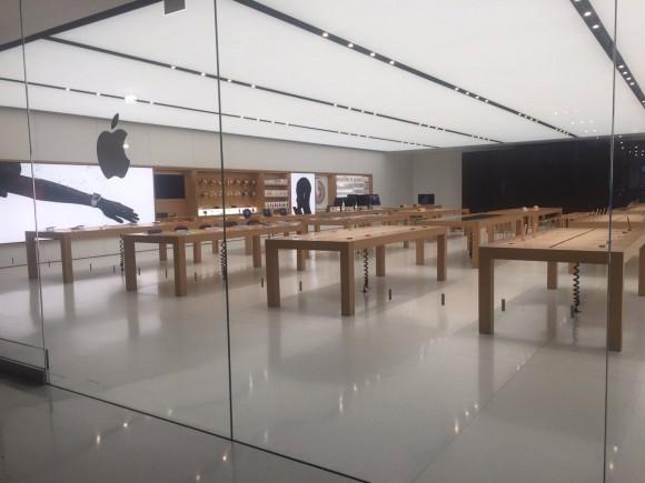 アメリカ Apple Store 強盗