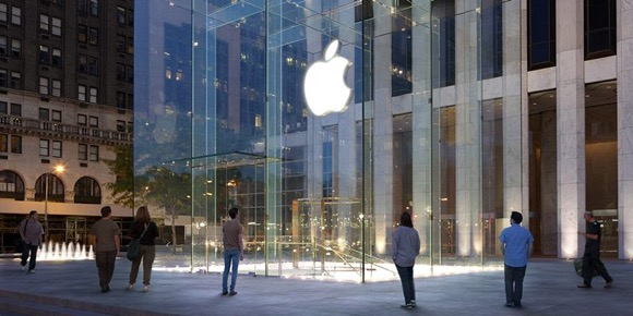 ニューヨーク五番街のApple Store