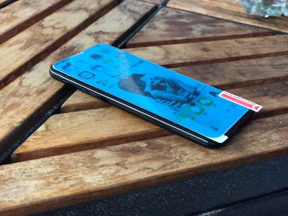 「iPhone8」保護フィルム