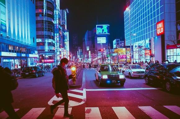 https://pixabay.com/en/japan-osaka-night-asia-landmark-2014616/