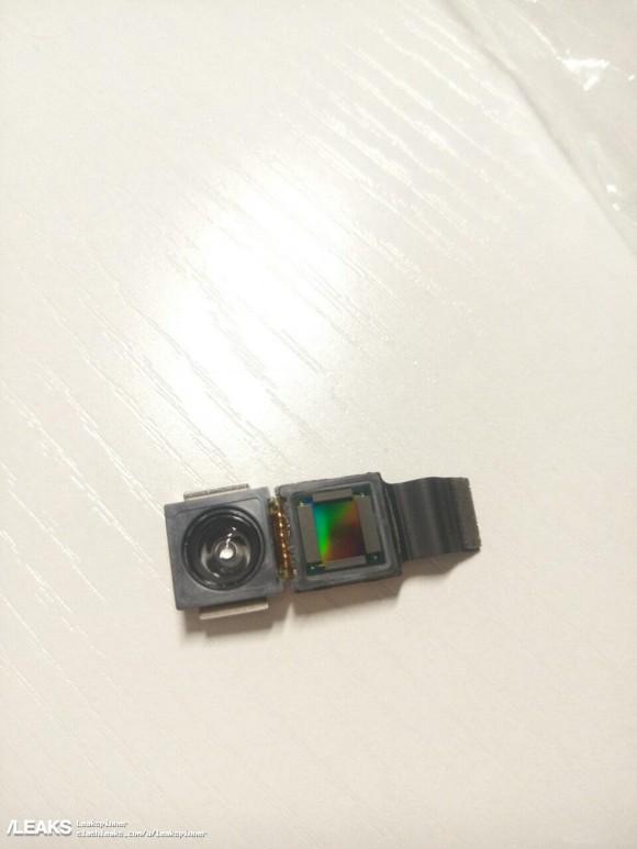 Phone8 3Dカメラモジュール