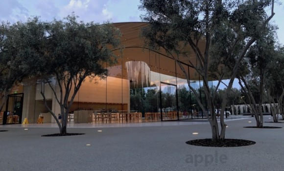 apple visitor center ビジターセンター
