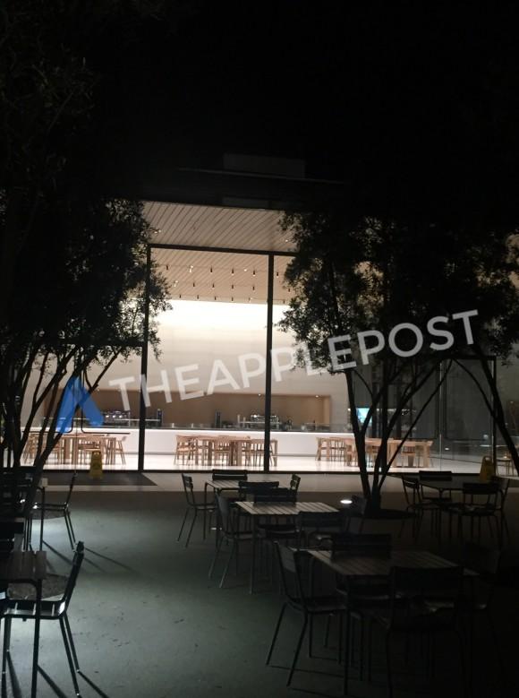 Apple Park ビジターセンター