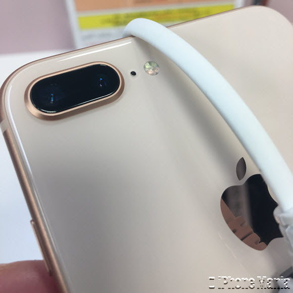 iPhone8 Plus ゴールド 展示機