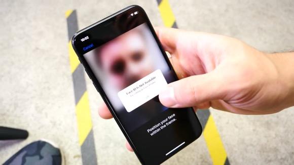 iPhone X落下テスト
