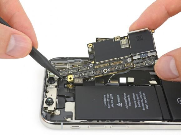 iFixit iPhone X ボード