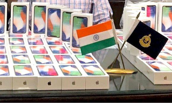 インド iPhone X 密輸