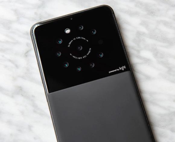 Light 9カメラ スマートフォン