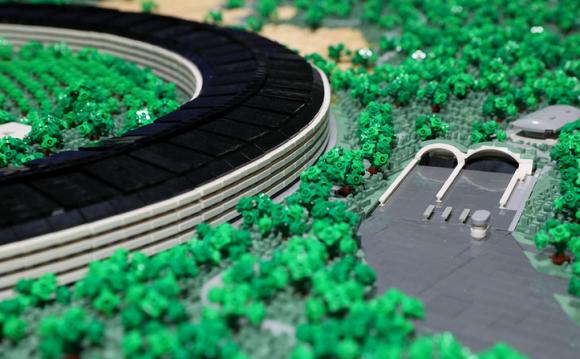 apple park レゴ