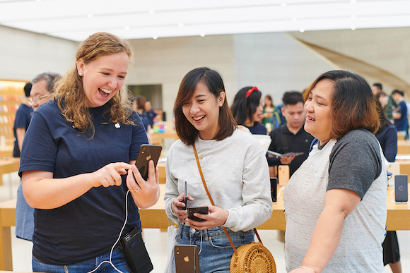 iphonexr-launch_orchardrd-singapore_instore-service_10262018