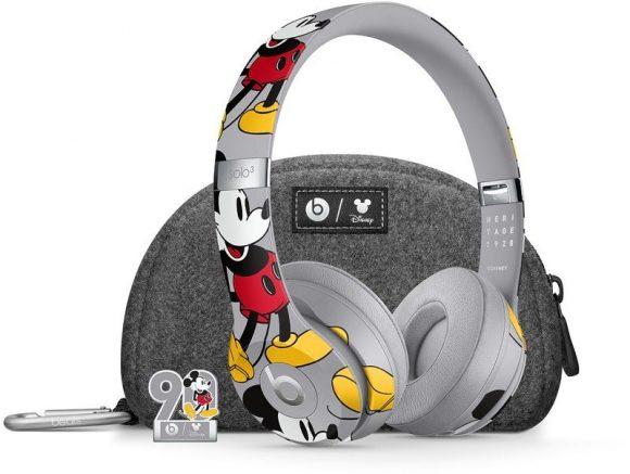 ミッキーマウスデザインのBeats Solo 3ワイヤレスヘッドホン
