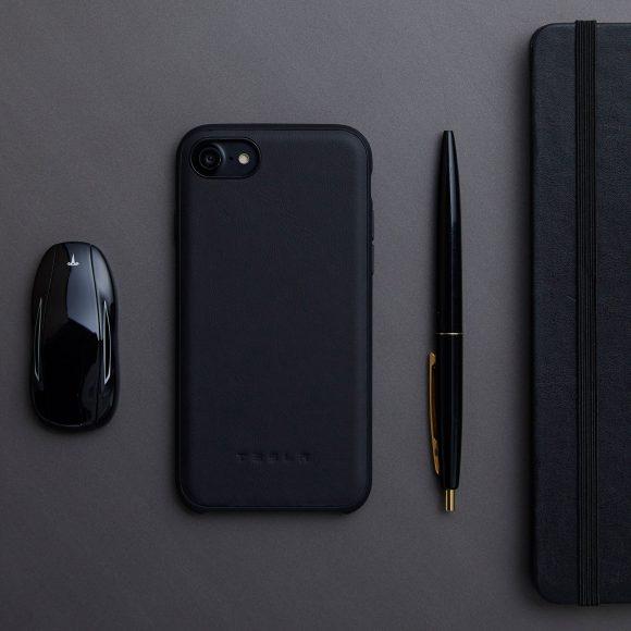TeslaのiPhone X用ケース