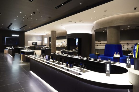 samsung-experience-store-Long-Island-Retail-1-950x633