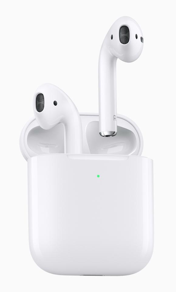 Apple、第2世代AirPodsを発売!ワイヤレス充電に対応、音質も