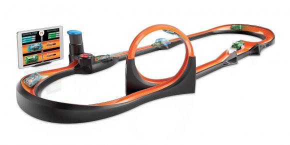 Hot-Wheels-id-Apple-App-and-Smart-Track-Kit