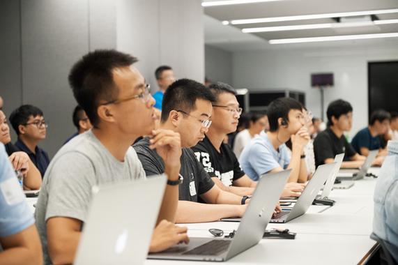 Apple_China-Design-Development-Accelerator_Hub-Developers_070819_inline.jpg.medium