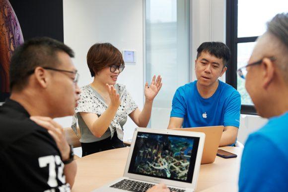Apple_China-Design-Development-Accelerator_One-On-One-Consultation_070819_big.jpg.medium