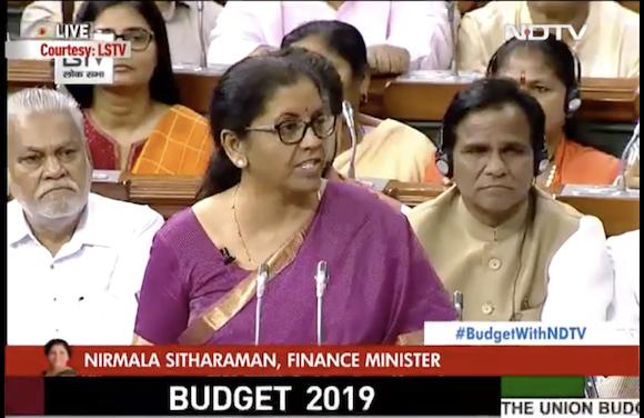 Nirmala Sitharaman NDTV インド ニーマラ・シタラマン財務大臣