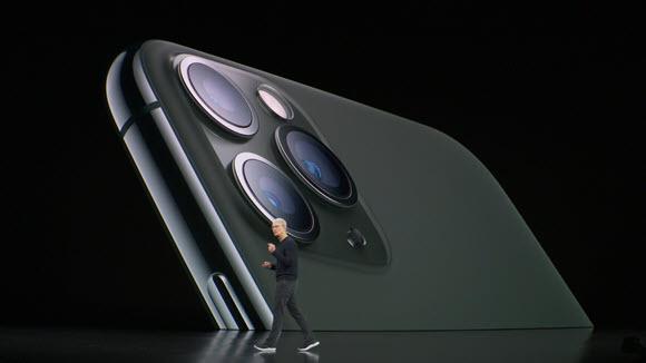 Apple iPhone11 Pro ティム・クック