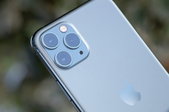 iPhone11のトリプルカメラの画像