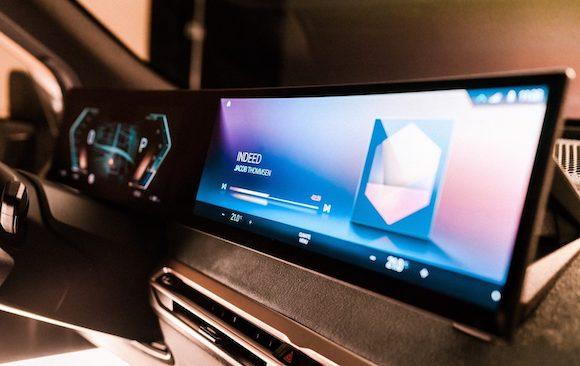 BMW OS8.0 1