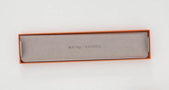 AirTag Hermes_unpack_4