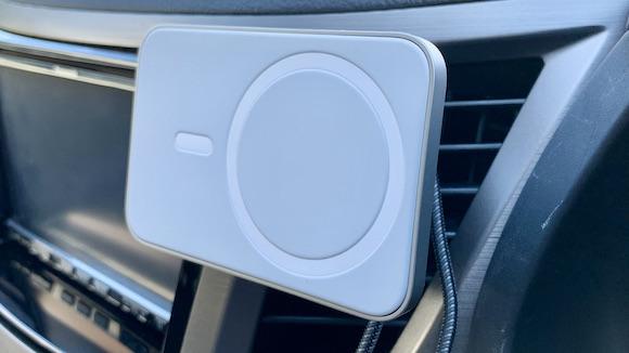 ベルキン Belkin「MagSafe Air Vent 車用磁気スタンド PRO」 レビュー