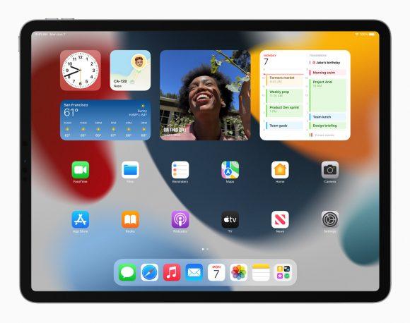 Apple_iPadPro-iPadOS15-springboard-widgets_060721_big.jpg.medium_2x