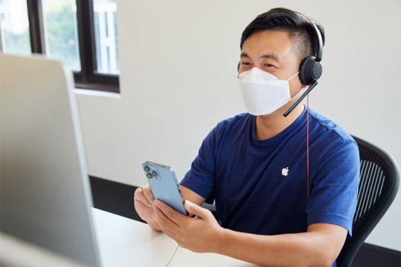 Apple_iPhone-iPad-Availability_Shanghai-Call-Center-iPhone-13-Pro_09242021_big.jpg.small_2x